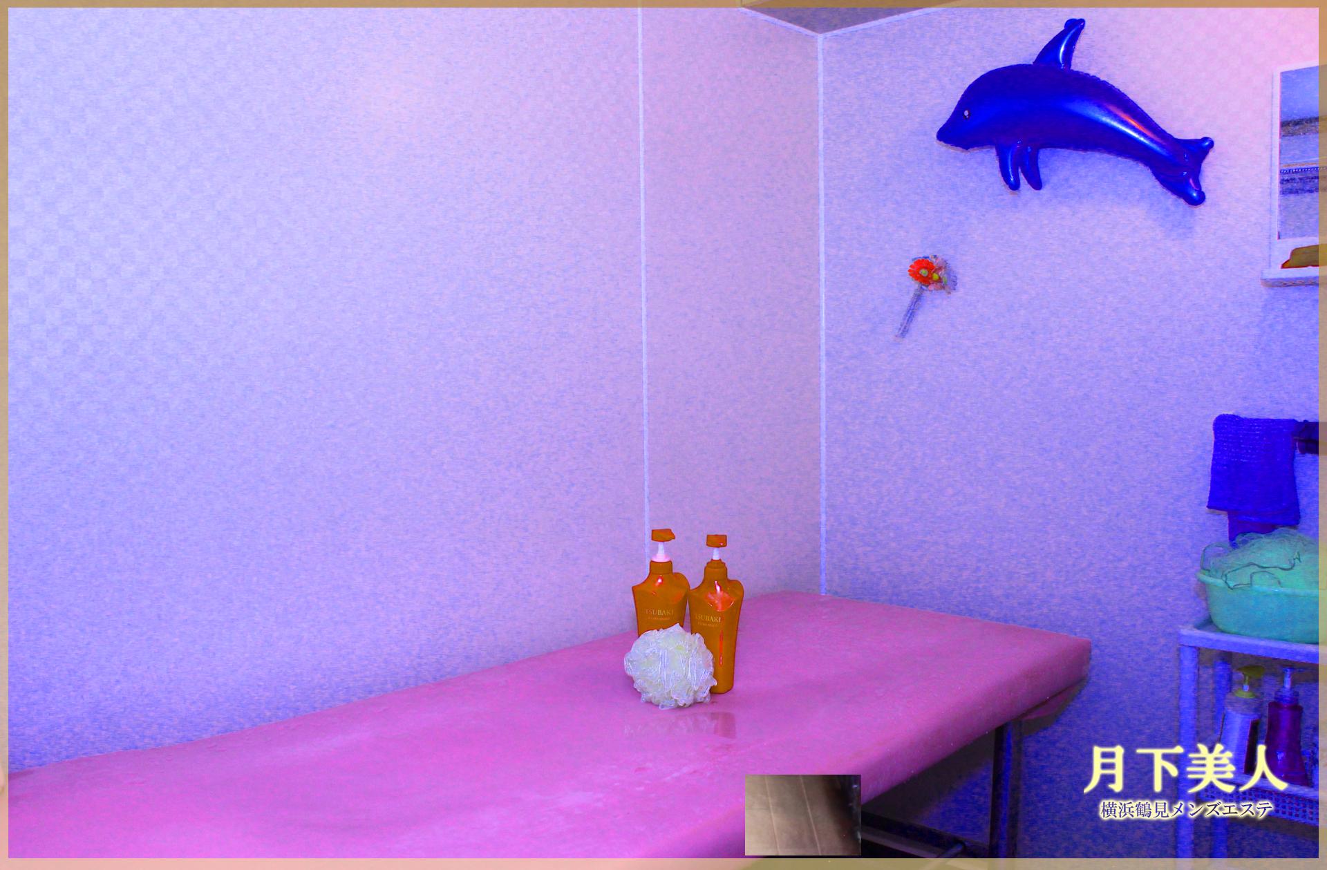 アカスリと泡泡洗体をするためのシャワールーム